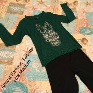 Almost Famous Green Owl Sweater Size Medium